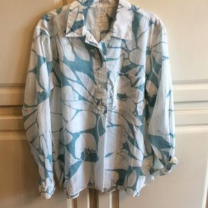 🌸2 for $20🌸. Gap aqua and white shirt.  L
